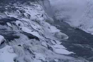 Gullfoss im Winter mit Schnee