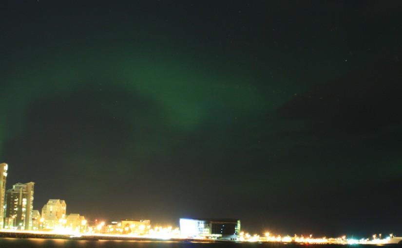 Nordlichtjagd in Reykjavik auf eigene Faust