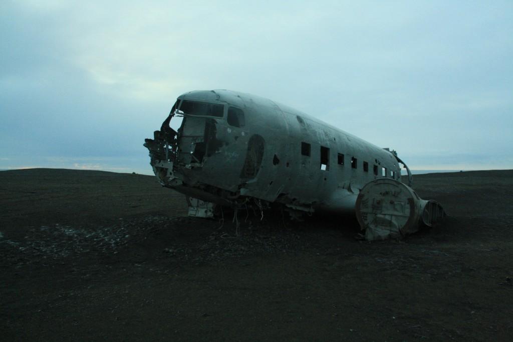 DC-3 Wrack im Süden von Island - TOP Highlights in Island -Golden Circle und Südküste-