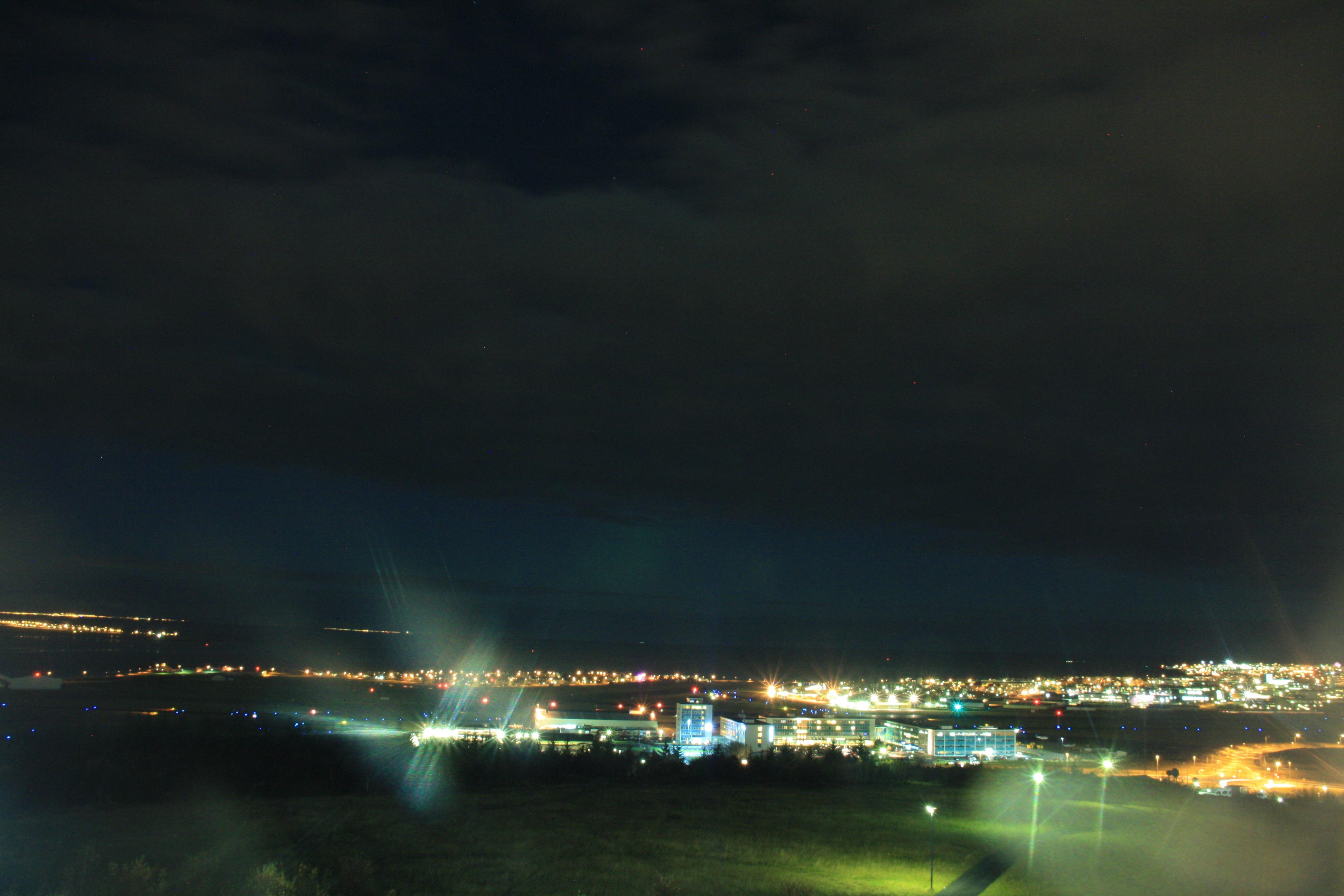 Nordlicht Jagd in Reykjavik - erste Sichtung