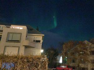Nordlicht Jagd in Reykjavik - in der Stadt