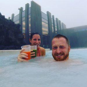 Blaue Lagune im Sturm - Inklusive Drink im Regen