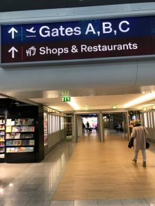 Düsseldorf - Paris CDG Economy 02/17