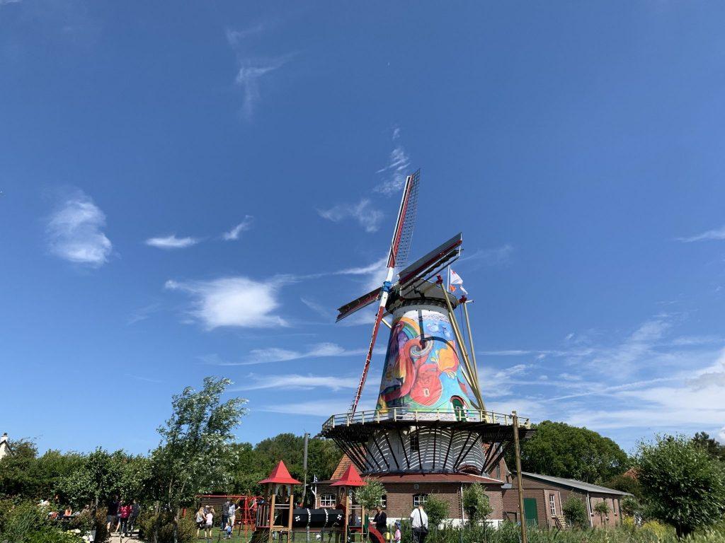 Pfannkuchenmühle mit Kunst
