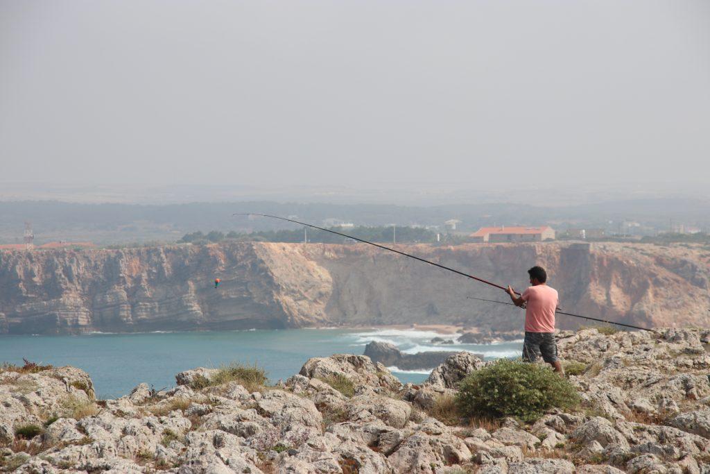 Angler an der Steilküste