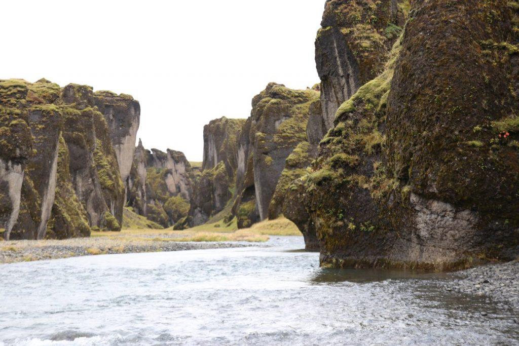 Fjaðrárgljúfur - TOP Highlights in Island -Golden Circle und Südküste-