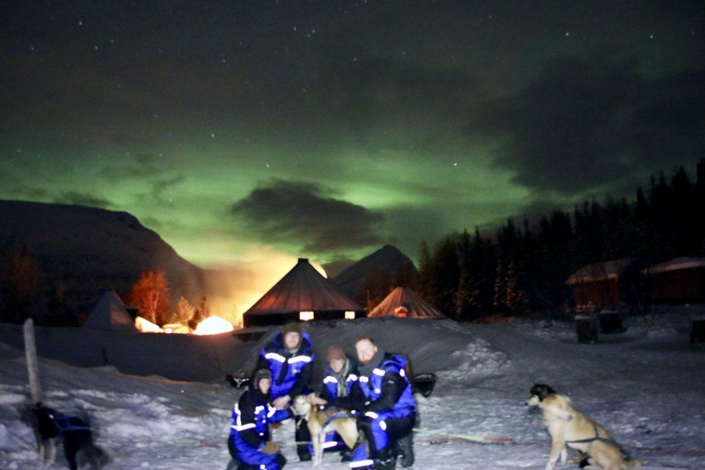 Husky Hundeschlittenfahrt unter Nordlichtern