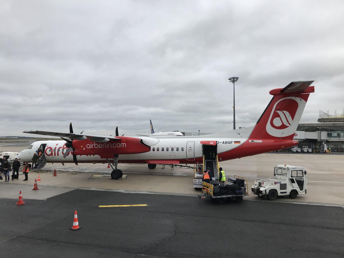 Eurowings Dash 8-Q400 von Düsseldorf nach Paris