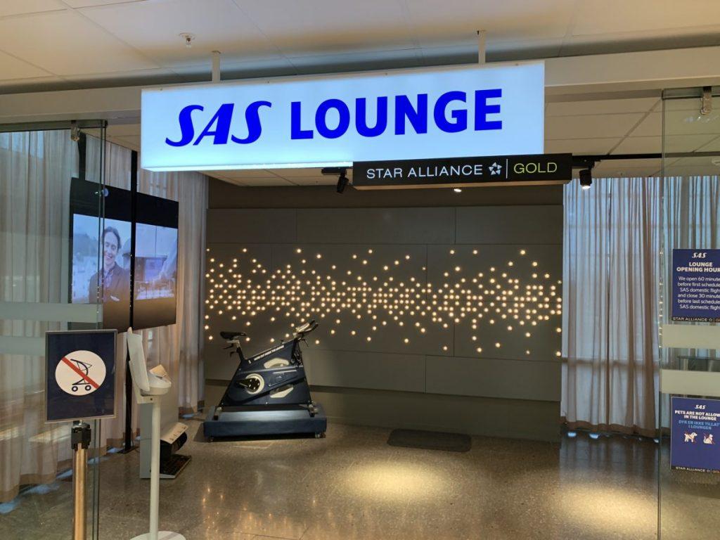 Lounge Eingang.