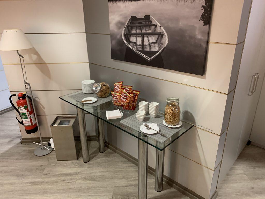 Snackbar in der Lounge  im Terminal 2