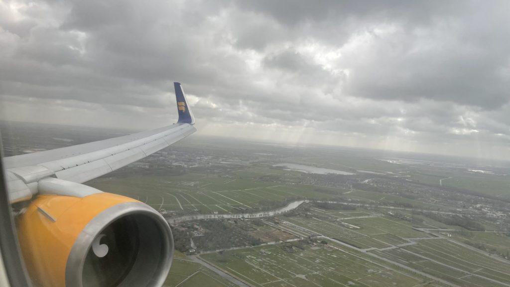 Icelandair Flug von Keflavik nach Amsterdam