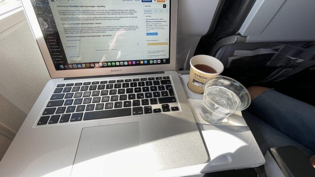 Icelandair Economy von Kopenhagen nach Island